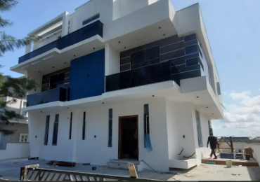 Magnificently Finished 5 Bedroom House With 2 Room BQ